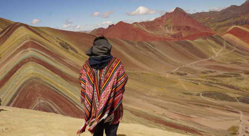 best pictures at rainbow mountain