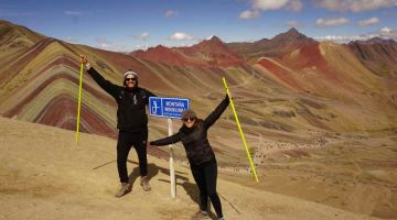 rainbow mountain hikkers